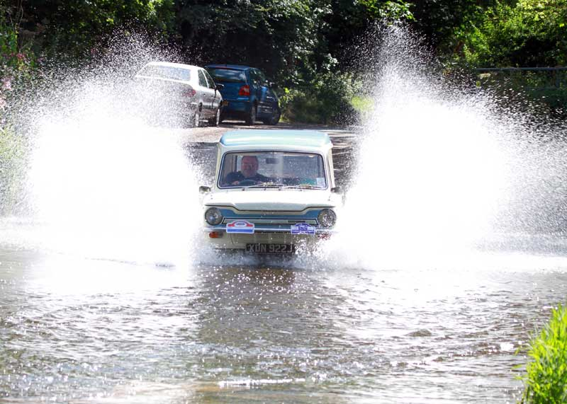 Hillman Husky Water Splash